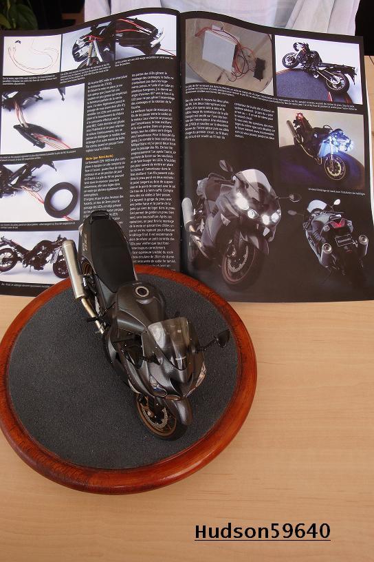 maquette moto 1/12 (hudson59640) DSC01129