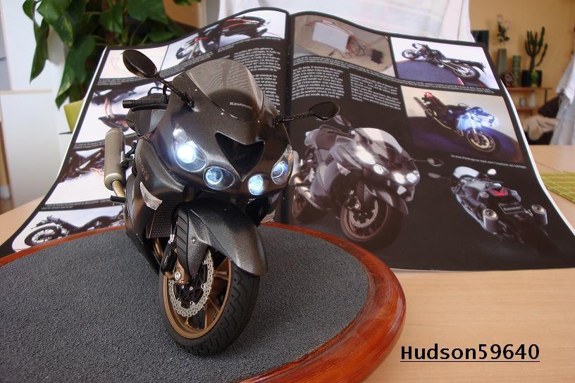 maquette moto 1/12 (hudson59640) DSC01130