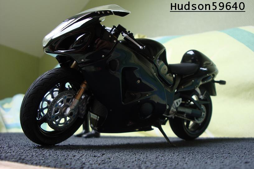 maquette moto 1/12 (hudson59640) - Page 2 DSC00676