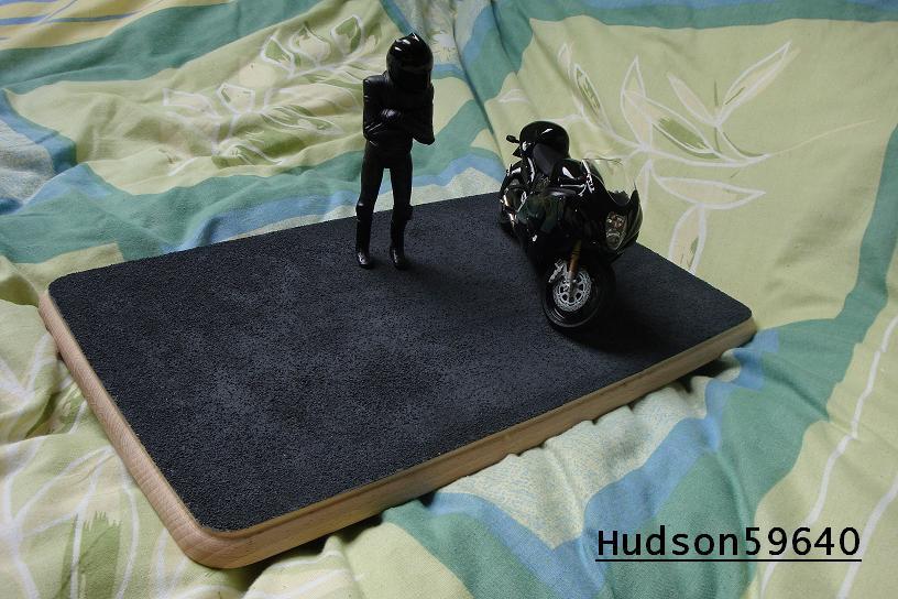 maquette moto 1/12 (hudson59640) - Page 2 DSC00687