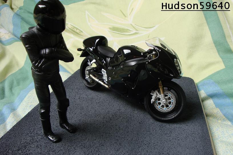 maquette moto 1/12 (hudson59640) - Page 2 DSC00688