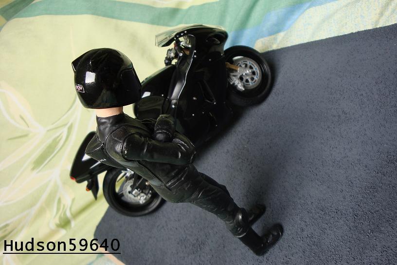 maquette moto 1/12 (hudson59640) - Page 2 DSC00690