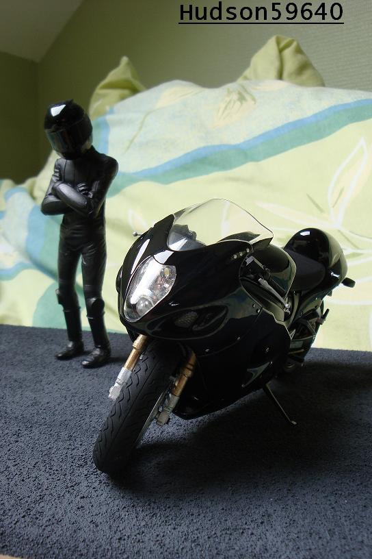 maquette moto 1/12 (hudson59640) - Page 2 DSC00691