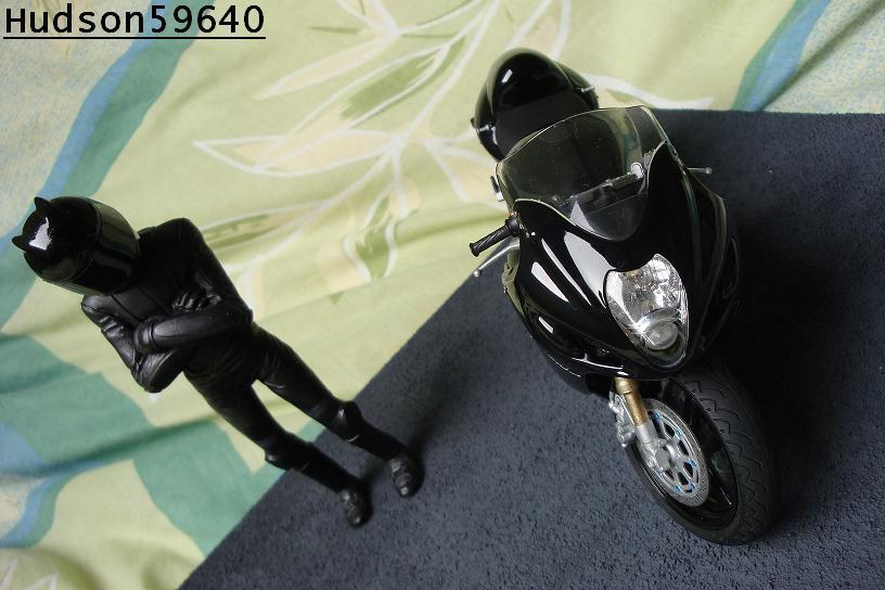 maquette moto 1/12 (hudson59640) - Page 2 DSC00692