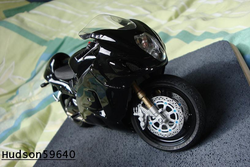 maquette moto 1/12 (hudson59640) - Page 2 DSC00697