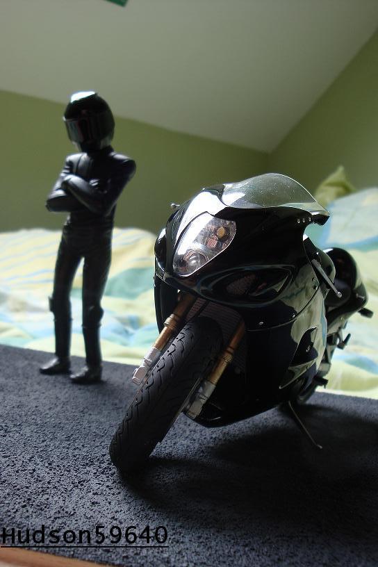 maquette moto 1/12 (hudson59640) - Page 2 DSC00698