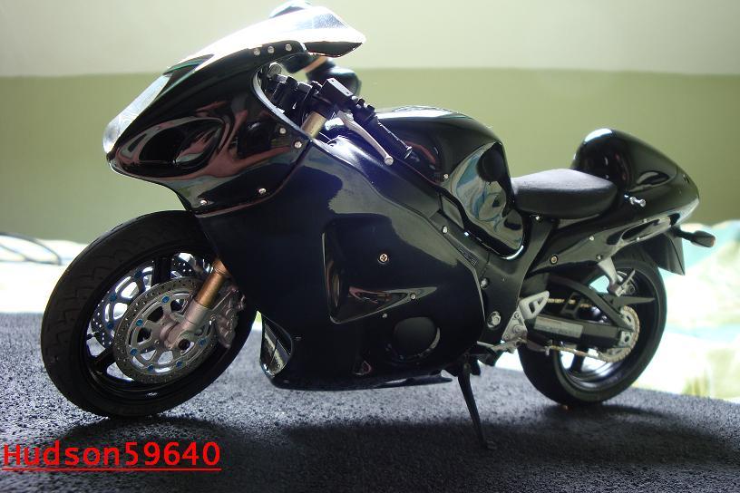 maquette moto 1/12 (hudson59640) - Page 2 DSC00700