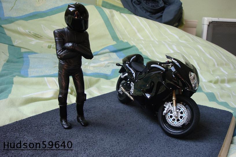 maquette moto 1/12 (hudson59640) - Page 2 DSC00703