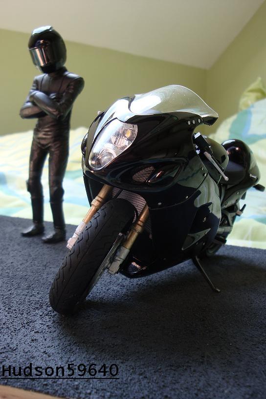 maquette moto 1/12 (hudson59640) - Page 2 DSC00705