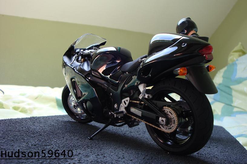 maquette moto 1/12 (hudson59640) - Page 2 DSC00708