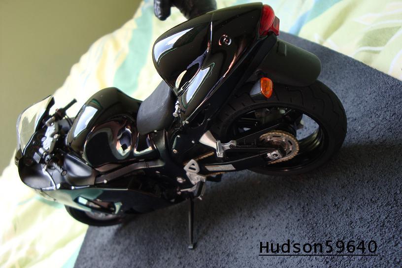 maquette moto 1/12 (hudson59640) - Page 2 DSC00709