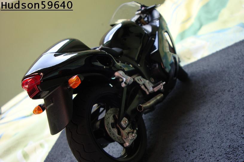 maquette moto 1/12 (hudson59640) - Page 2 DSC00711