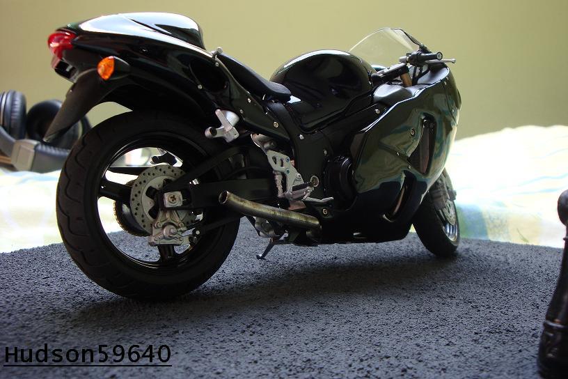 maquette moto 1/12 (hudson59640) - Page 2 DSC00712