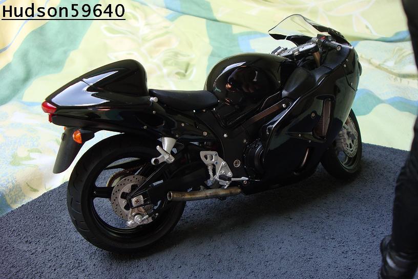 maquette moto 1/12 (hudson59640) - Page 2 DSC00715