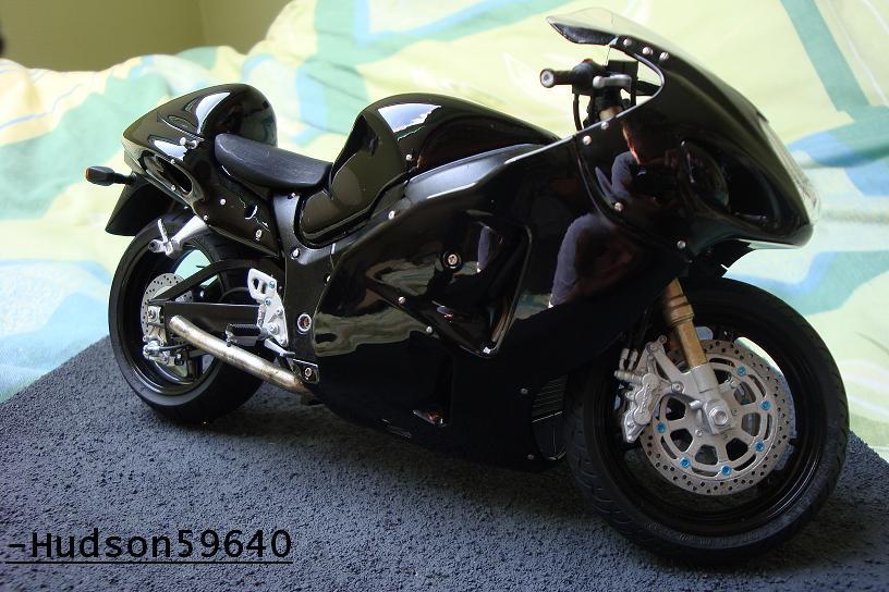 maquette moto 1/12 (hudson59640) - Page 2 DSC00716