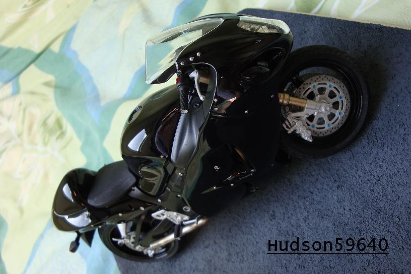 maquette moto 1/12 (hudson59640) - Page 2 DSC00717