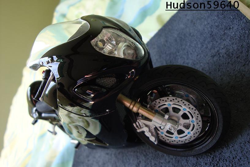 maquette moto 1/12 (hudson59640) - Page 2 DSC00720