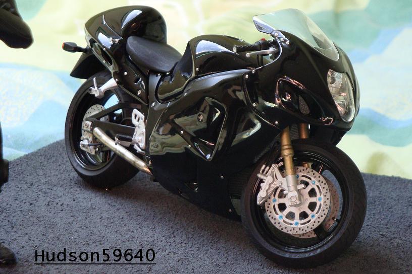 maquette moto 1/12 (hudson59640) - Page 2 DSC00723