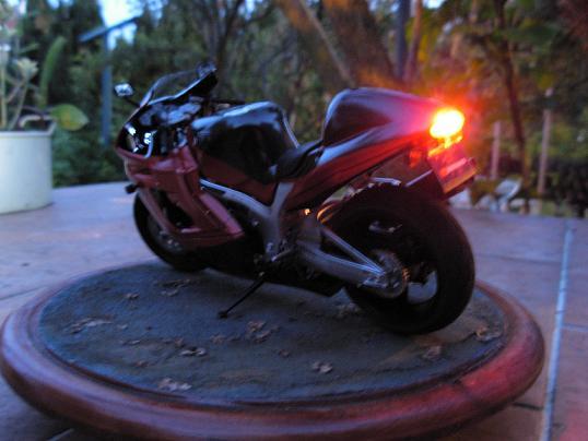 maquette moto 1/12 (hudson59640) DSCN0186