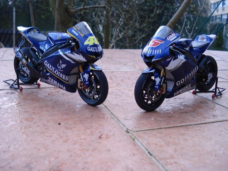 maquette moto 1/12 (hudson59640) DSC04194