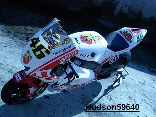 maquette moto 1/12 (hudson59640) - Page 2 DSCN1260