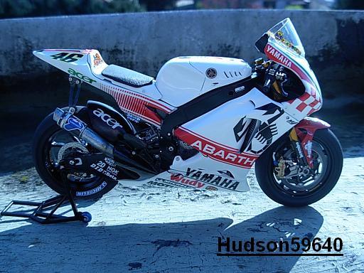 maquette moto 1/12 (hudson59640) - Page 2 DSCN1262