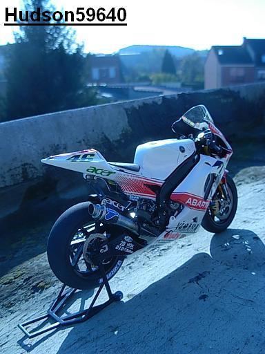 maquette moto 1/12 (hudson59640) - Page 2 DSCN1263