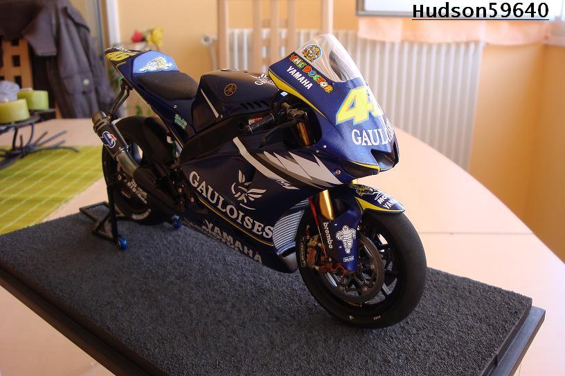 maquette moto 1/12 (hudson59640) DSC00958