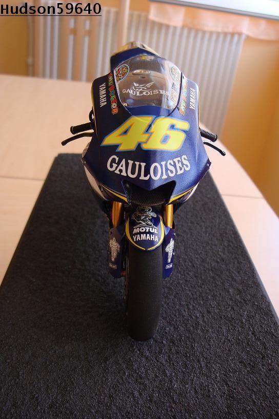 maquette moto 1/12 (hudson59640) DSC00959