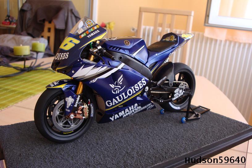 maquette moto 1/12 (hudson59640) DSC00960