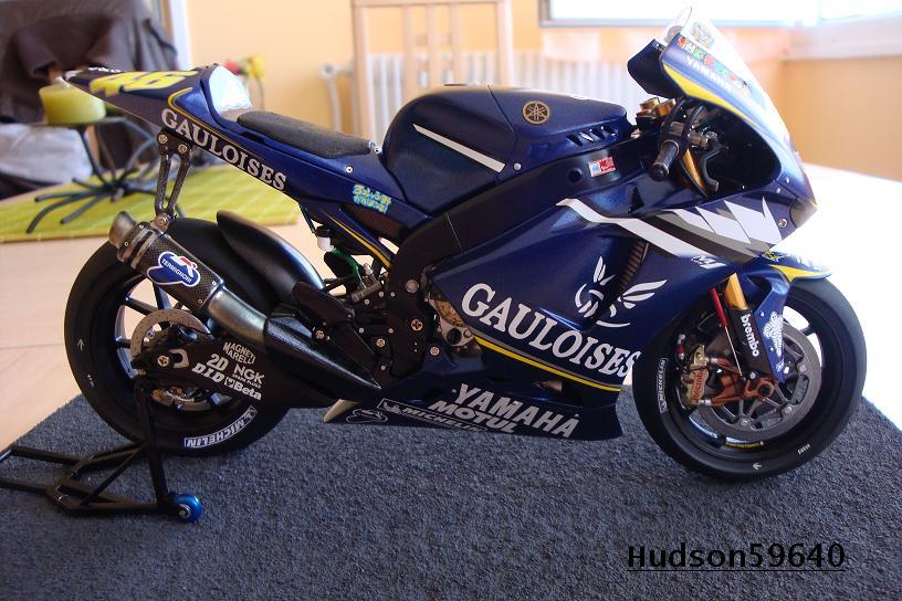 maquette moto 1/12 (hudson59640) DSC00963
