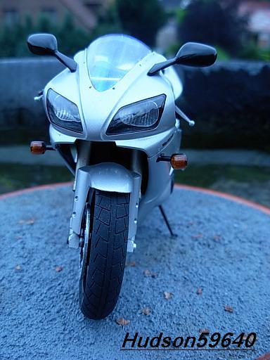 maquette moto 1/12 (hudson59640) DSCN1033