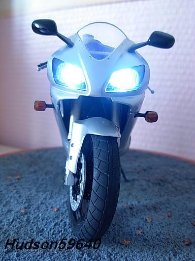 maquette moto 1/12 (hudson59640) DSCN1040
