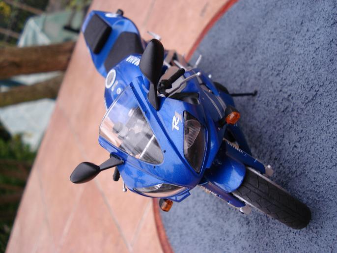 maquette moto 1/12 (hudson59640) DSC04916
