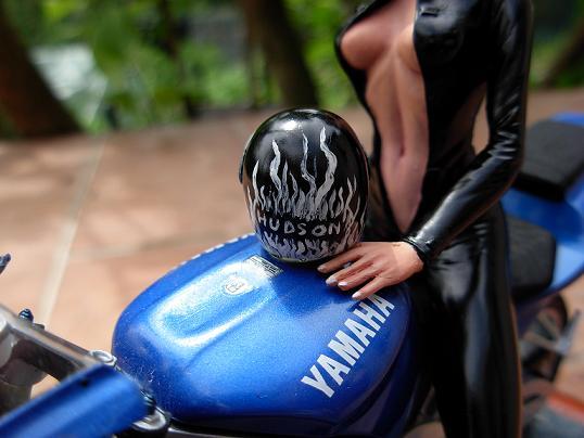 maquette moto 1/12 (hudson59640) DSCN0101