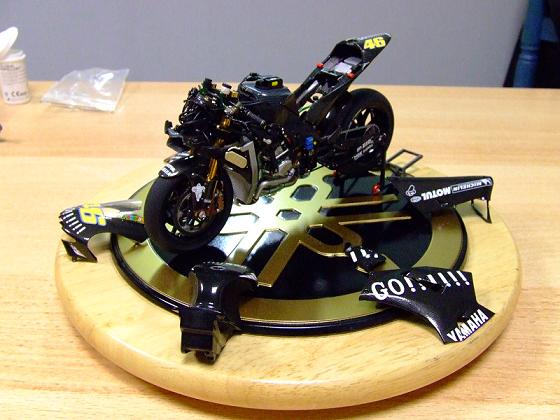 maquette moto 1/12 (hudson59640) Celica0081