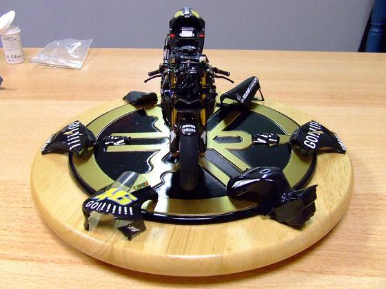 maquette moto 1/12 (hudson59640) Celica0082