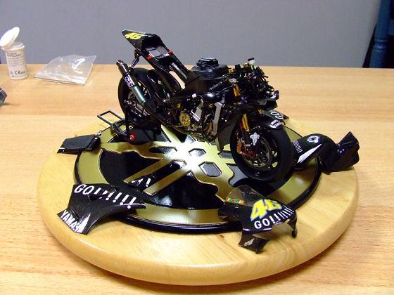 maquette moto 1/12 (hudson59640) Celica0083