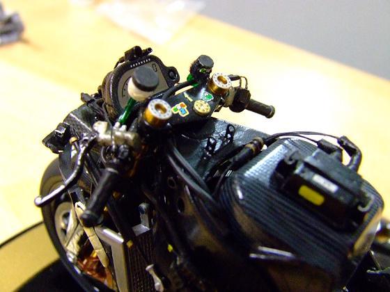 maquette moto 1/12 (hudson59640) Celica0092
