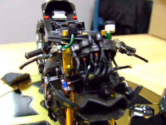 maquette moto 1/12 (hudson59640) Celica0095