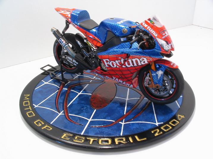 maquette moto 1/12 (hudson59640) Spider%20111