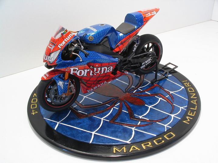 maquette moto 1/12 (hudson59640) Spider%20114