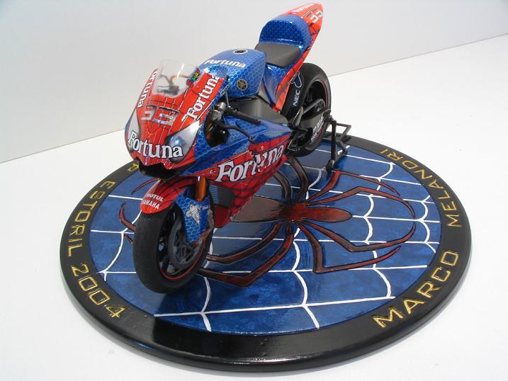 maquette moto 1/12 (hudson59640) Spider%20115