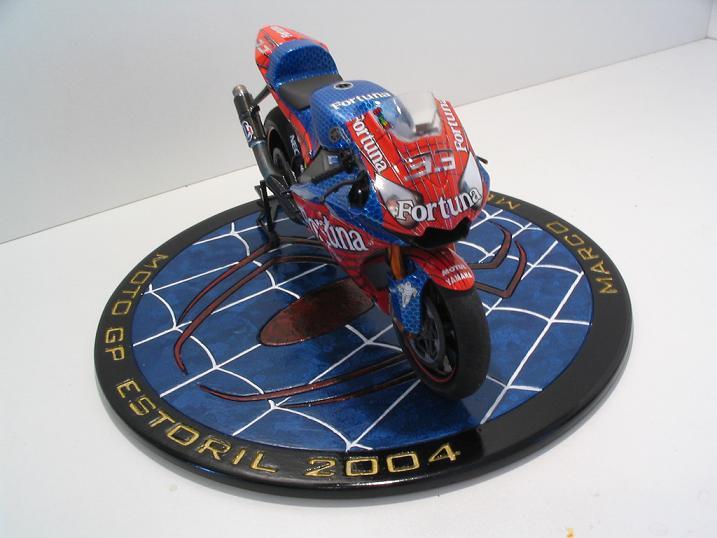 maquette moto 1/12 (hudson59640) Spider%20116