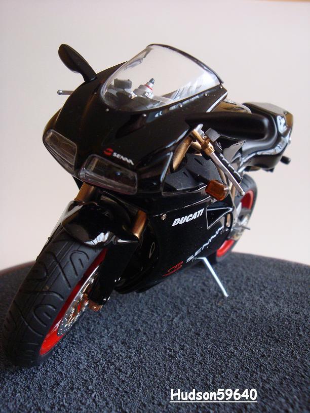 maquette moto 1/12 (hudson59640) - Page 2 DSC03395