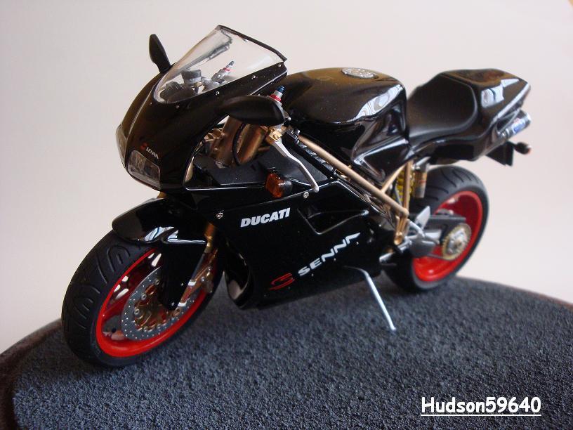 maquette moto 1/12 (hudson59640) - Page 2 DSC03396