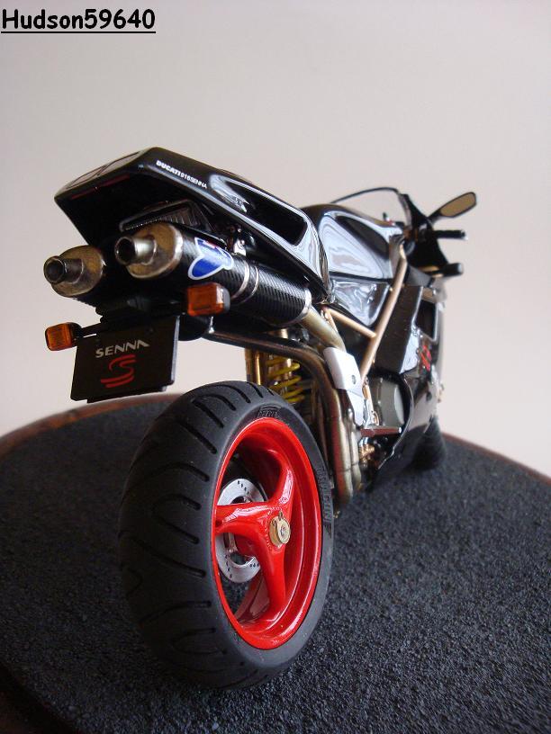 maquette moto 1/12 (hudson59640) - Page 2 DSC03399