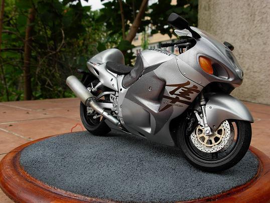 maquette moto 1/12 (hudson59640) DSCN0157