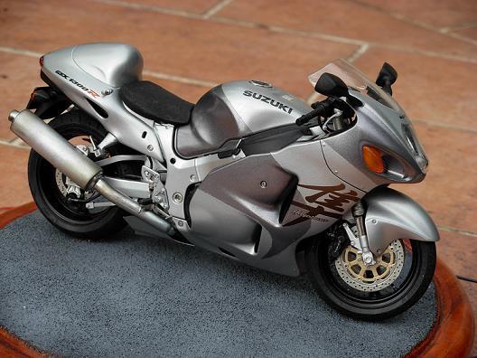 maquette moto 1/12 (hudson59640) DSCN0158