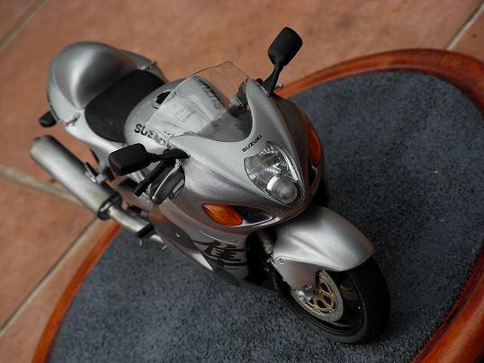maquette moto 1/12 (hudson59640) DSCN0159